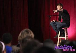 Konser Mini Justin Bieber di Whitney Elementary School