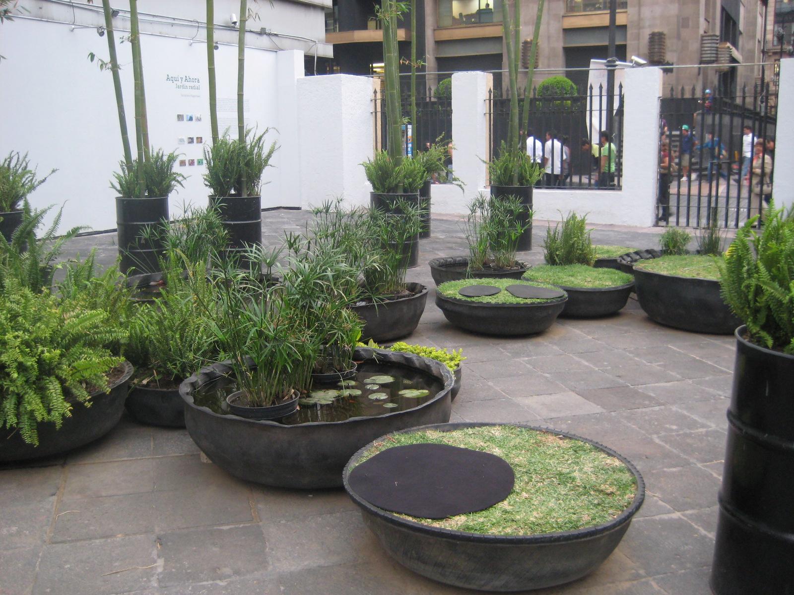 Hermosas macetas con llantas reciclables decoracion y - Jardineras decorativas ...