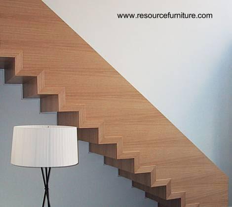 Escalera minimalista interior