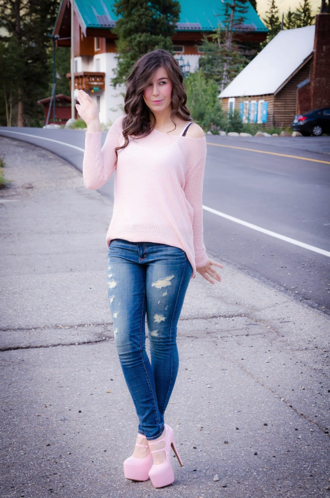 american eagle denim experience, american eagle jeans, denim experience, chunky sweater outfit, fall outfit, fall wear, sweater outfit, off the shoulder sweater outfit, destroyed denim, pink pumps,