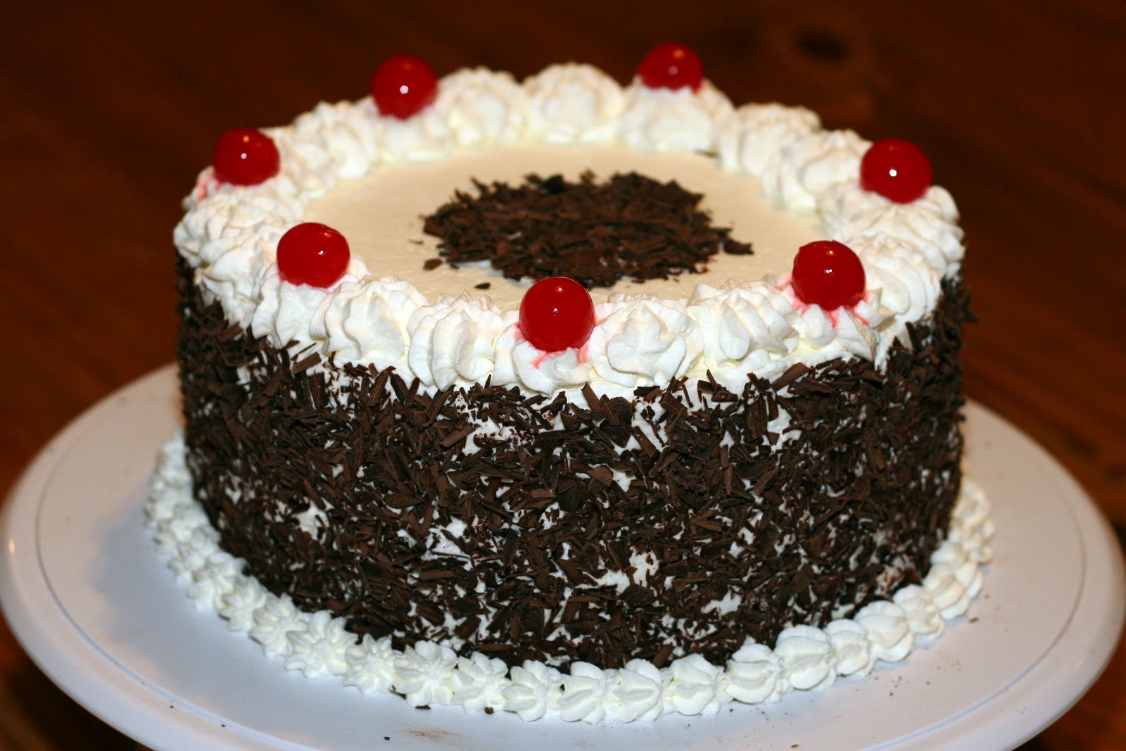 Images Of Birthday Cake Black Forest : Cake on Birthday: We Offer Black Forest Cakes at ...