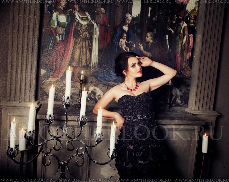 Свечи и черное платье