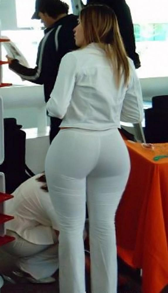 Thick Large Curves In Tight Pants