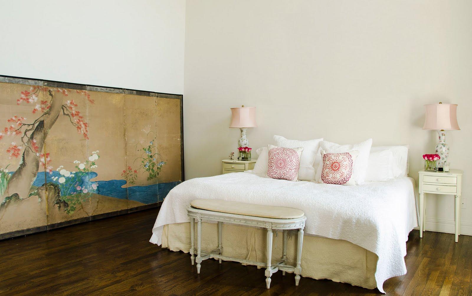 http://4.bp.blogspot.com/-VbyGC-lYICc/TdaNJhluStI/AAAAAAAAAaM/OUEoI6PCQZU/s1600/img-new-bedroom-image-apt-erin_185942164827.jpg