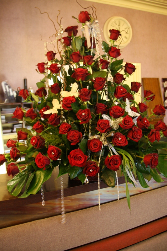 So A Fabulous Basket Of Sixty Grand Amore Red Roses Unfortunately Not The Gainsborough Mary Would Have Preferred But They Just Don T Make Them