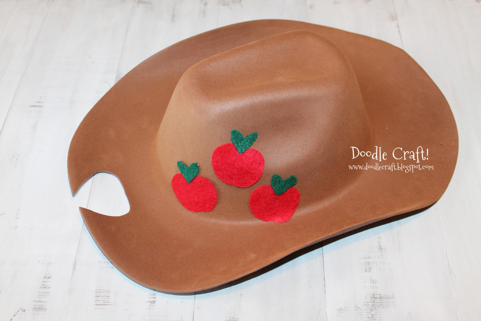 Applejack cowboy hat