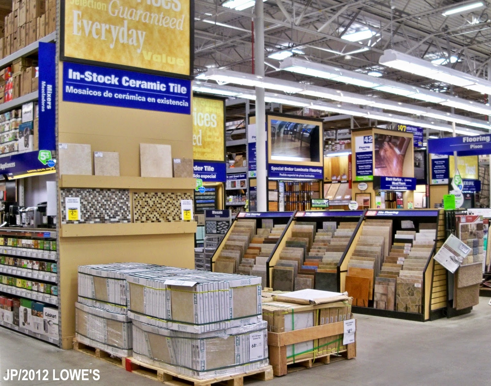 How To Email A Lowes Store