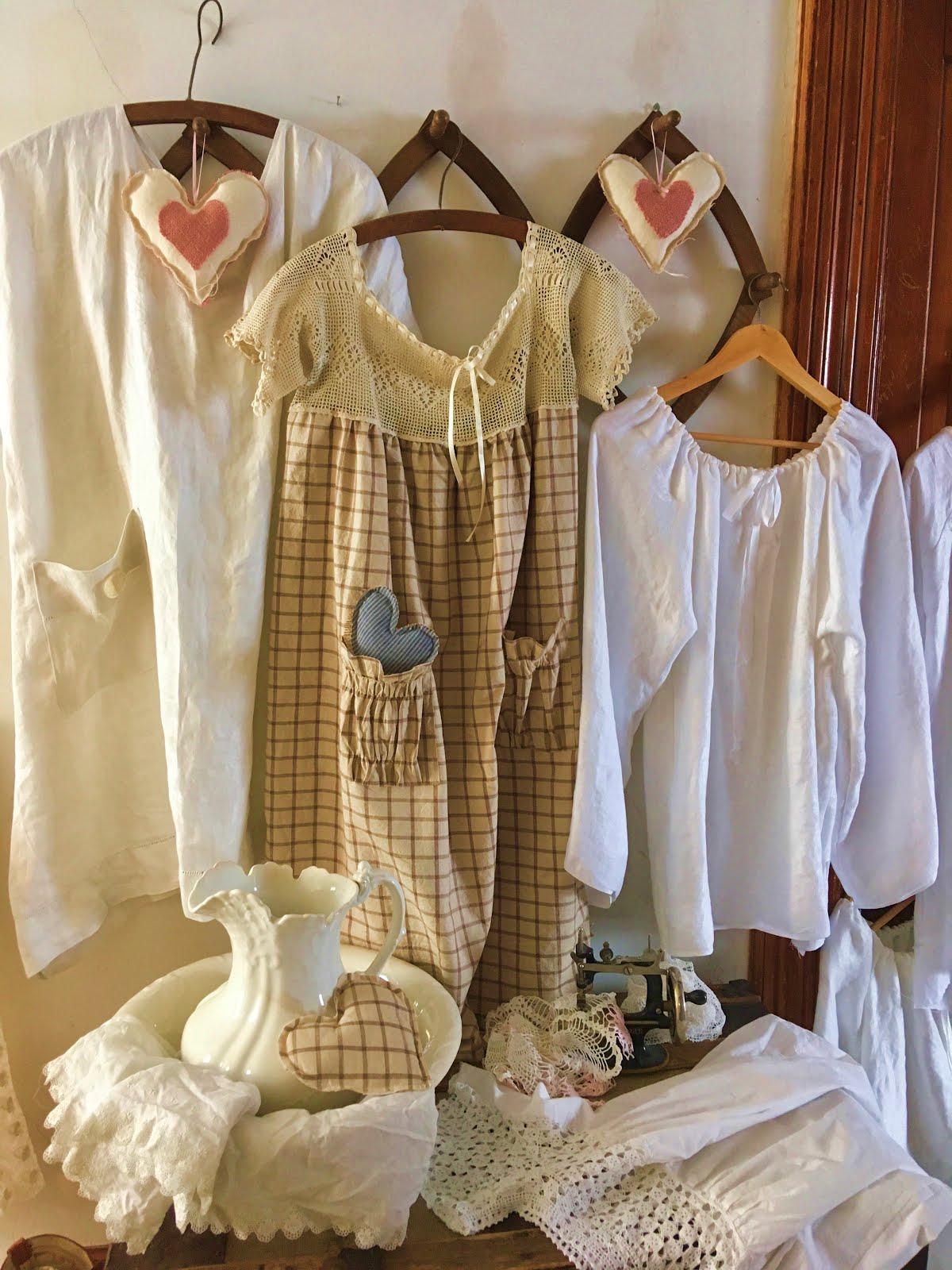 Dresses/Wedding/Skirts