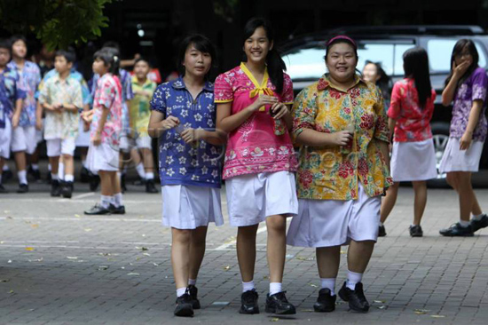 Batik Karya Sendiri Dipakai Sendiri - SMP Stella Duce 1 Yogyakarta