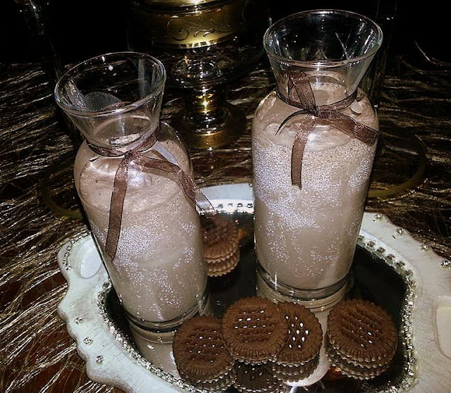 http://guloannemutfakta.blogspot.com.tr/2015/07/cikolatali-dondurmali-milkshake.html