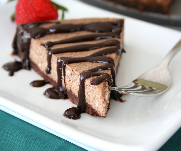 Kahlua Cheesecake with Chocolate Kahlua Sauce (Low Carb and Gluten ...