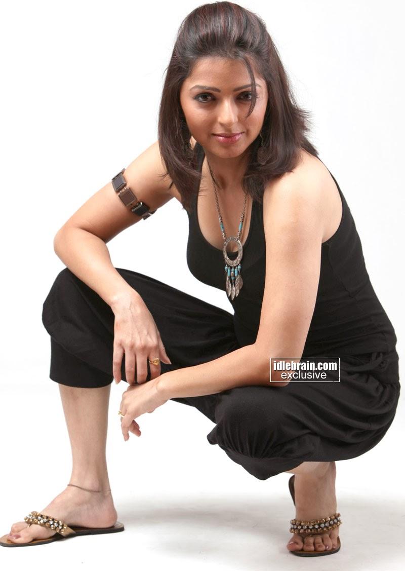 MALAYALAM ACTRESS: Bhoomika Chawla