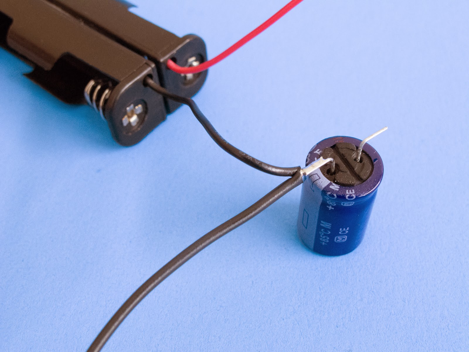 how do you hook up a power capacitor How to charge a capacitor all you need to do is take the power and ground of the test regardless of which charging method you use, the results will end up.