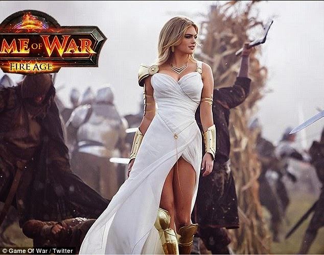 الجميلة كيت ابتون خلال ترويجها للعبة Game of  War في كوريا الجنوبية