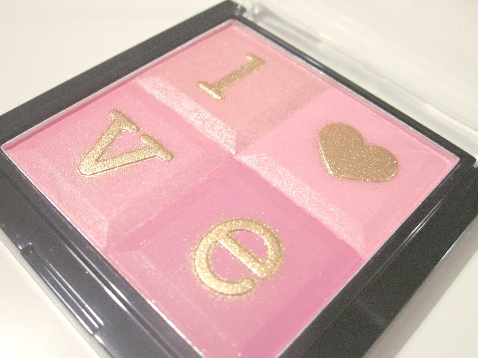 Stila All You Need Is Love Palette