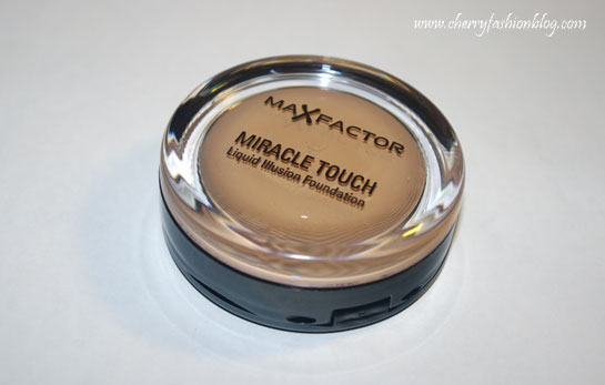 Maxfactor Miracle Touch Foundation