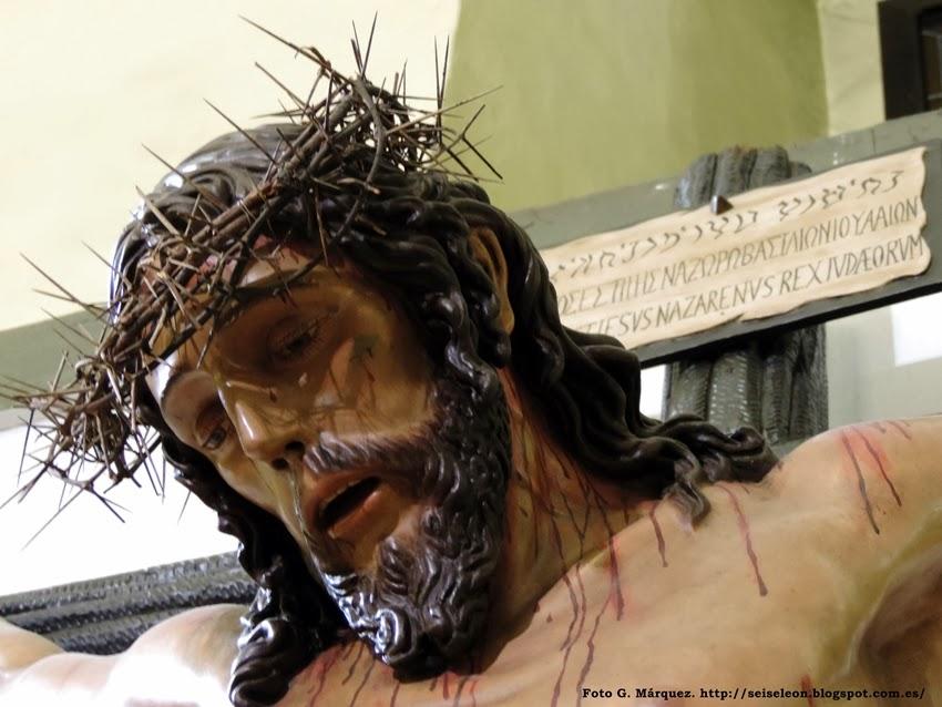 Cristo de la Sagrada Lanzada. Cofradía de Nuestra Señora de las Angustias y Soledad. León. Foto G. Márquez.
