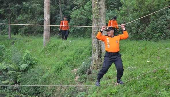 Hadapi Banjir, Senkom Bandung Latihan SAR