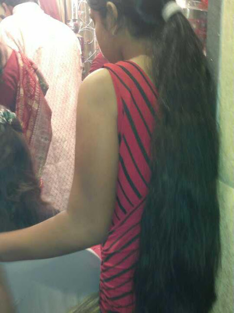 Curly long hair ponytail