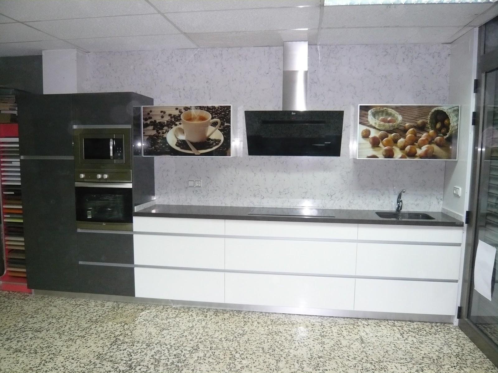 Reuscuina cocina de exposicion sin tiradores - Cocina sin tiradores ...