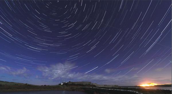 Meteor Shower Hiasi Langit Malam