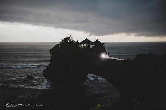 glimpse of light in dark