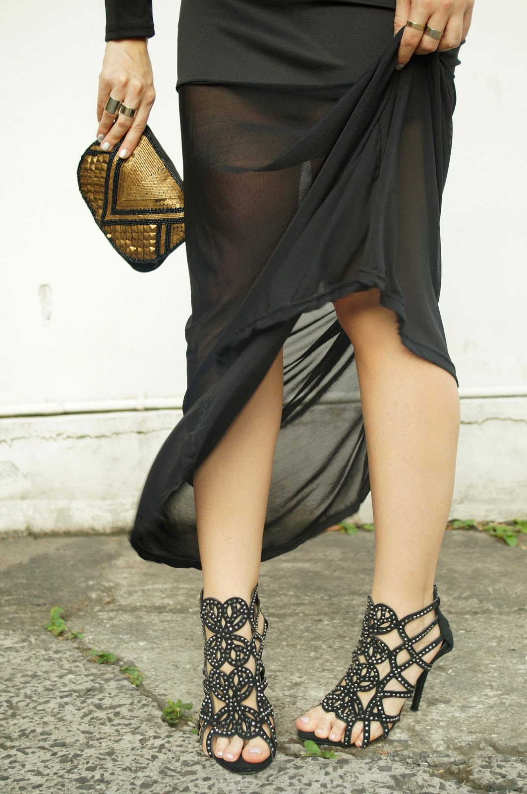 Loving these sexy caged heels!