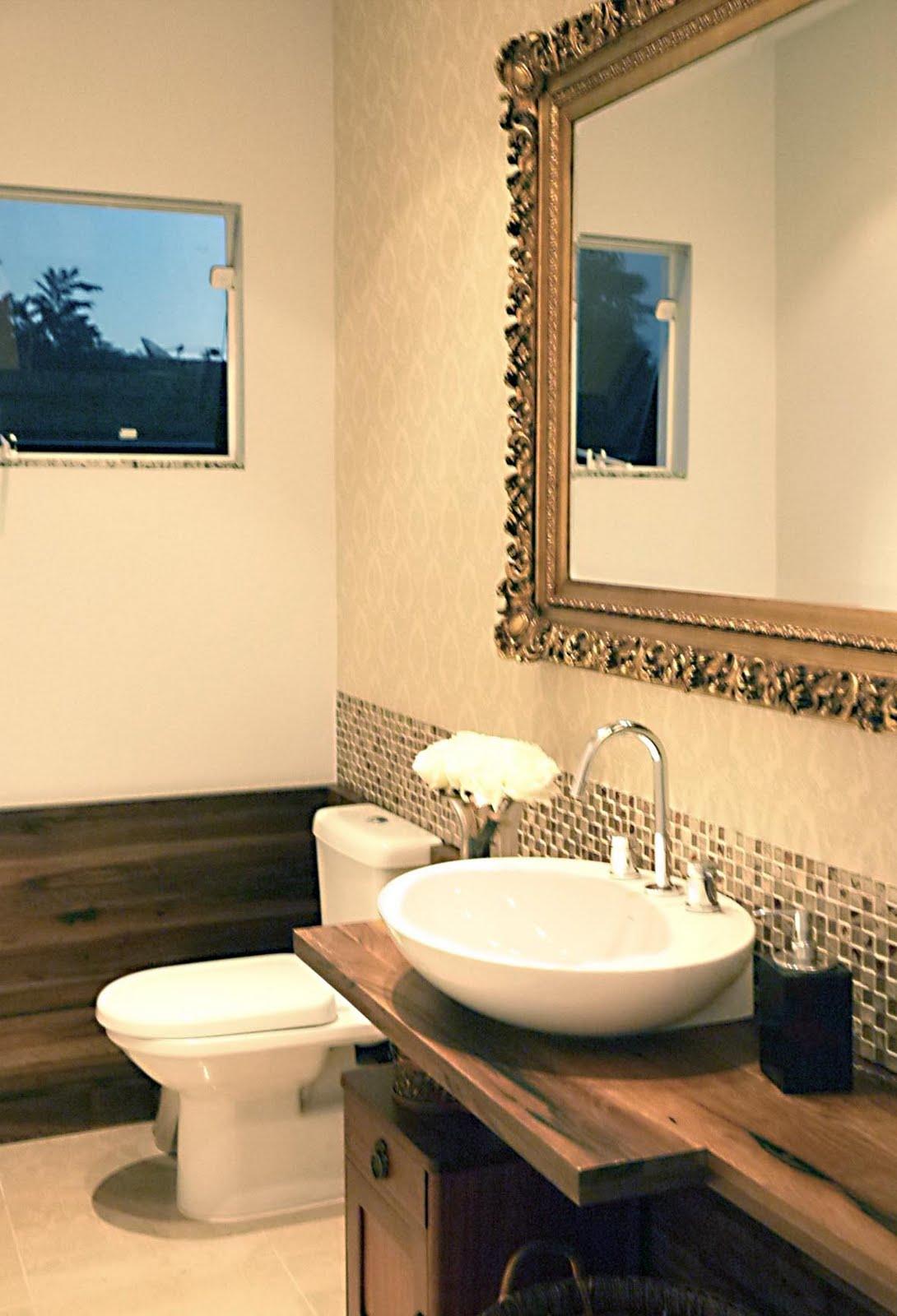 Atelier de Arquitetura Arquitetura de qualidade no Alto Vale #BA8211 1090x1600 Banheiro Com Pastilhas Douradas