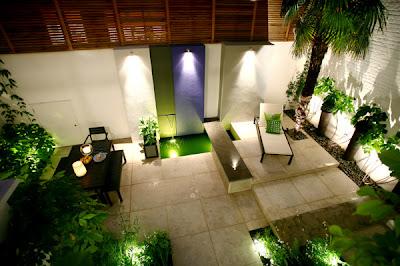 kebun bunga: tips mendekorasi halaman belakang rumah