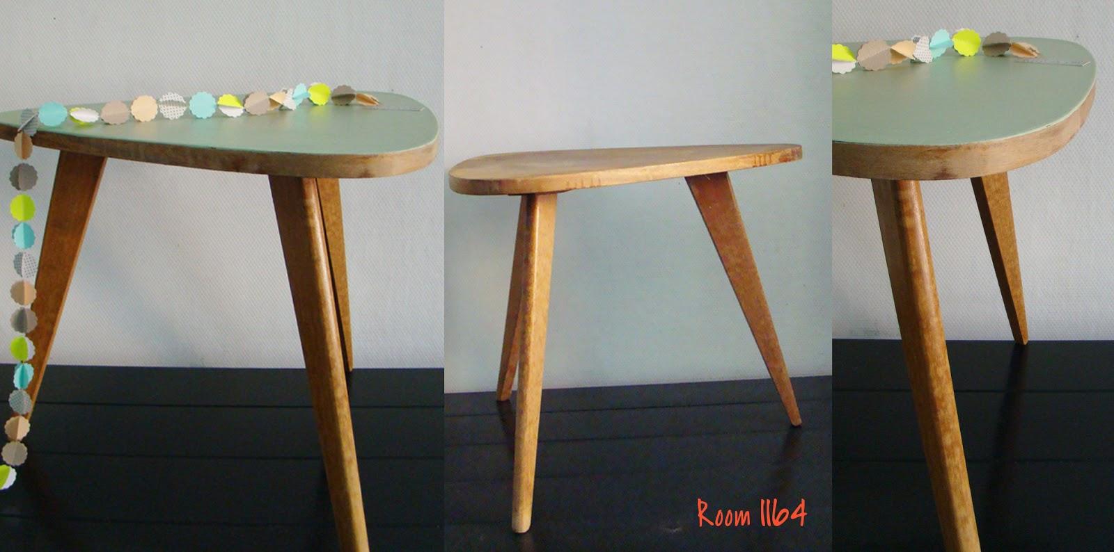 room1164deco table tripode vintage habill e par room1164. Black Bedroom Furniture Sets. Home Design Ideas
