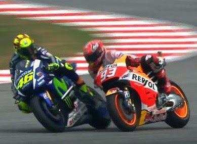 Tendang Marquez di Sepang, Rossi Dihukum Tiga Poin Penalty
