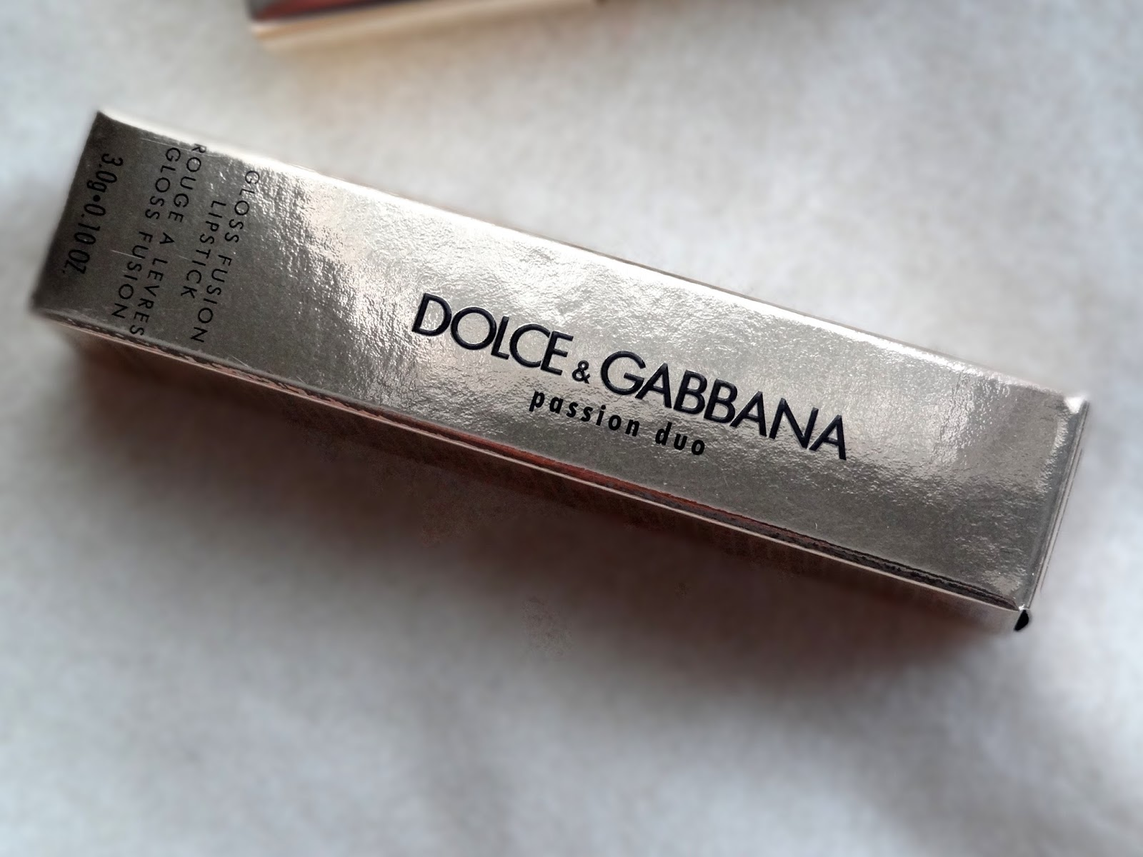 dolce & gabbana passion fusion gloss duo lipstick in 230 iridescent