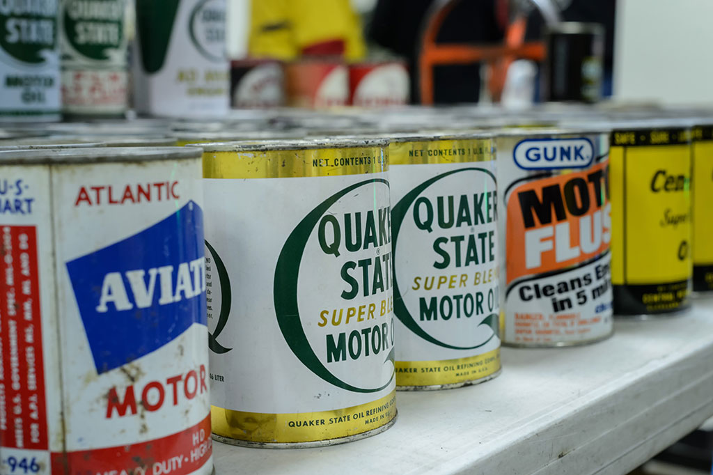 Oil Cans for sale at the Mason-Dixon Swap Meet
