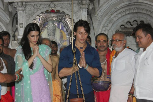 Tiger Shroff and Kriti Shroff Visits Babulnath Temple Photos