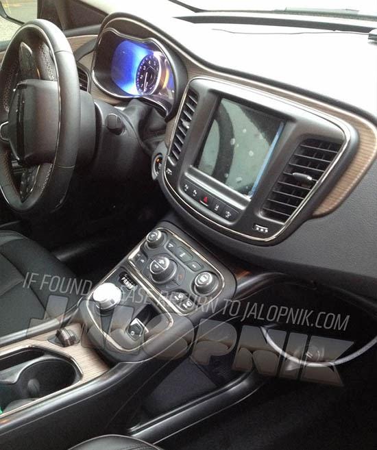 Burlappcar: 2015 Chrysler 200