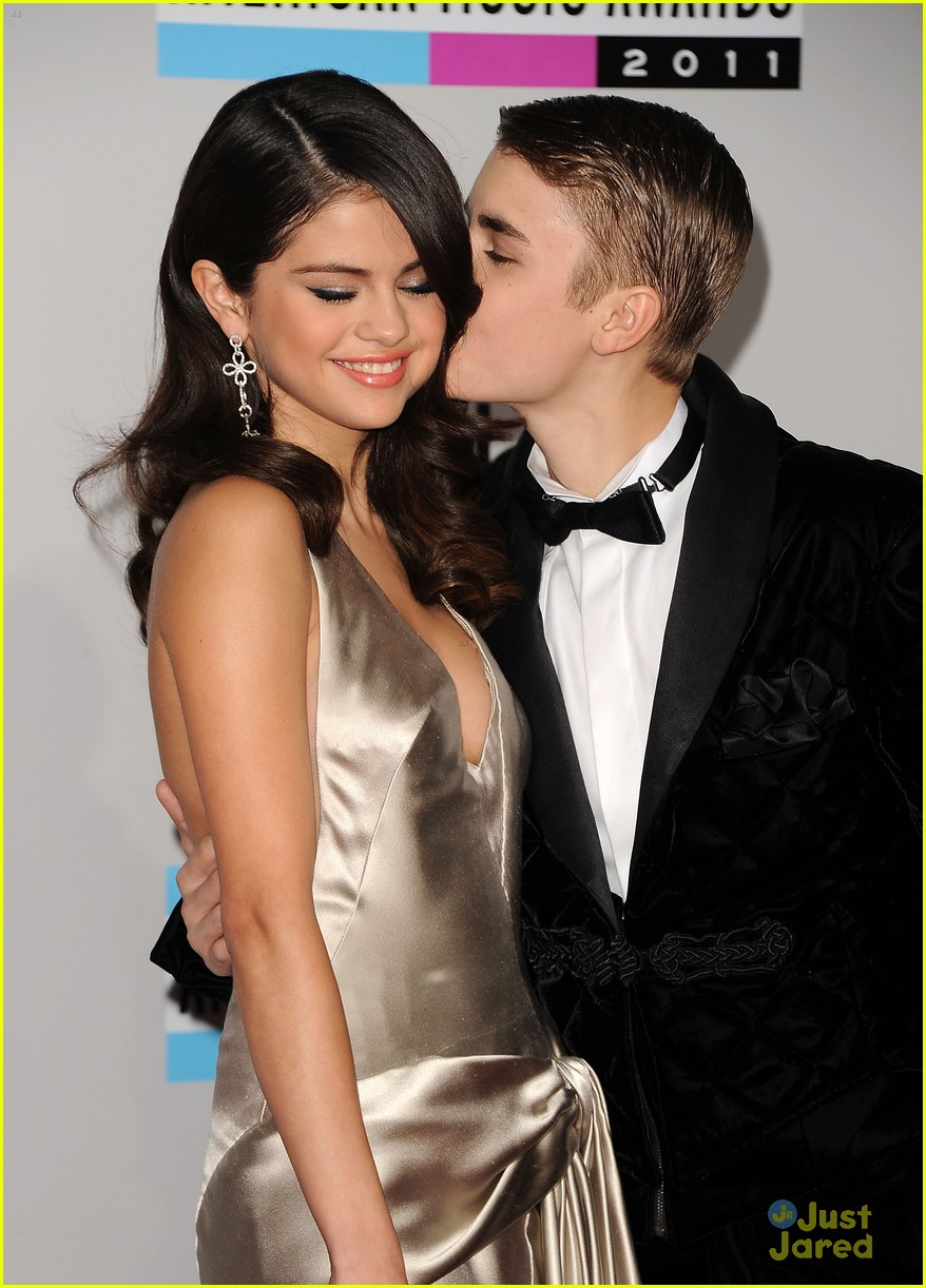 Hottest Actress Photos: Unseen Photos Of Selena Gomez 2012