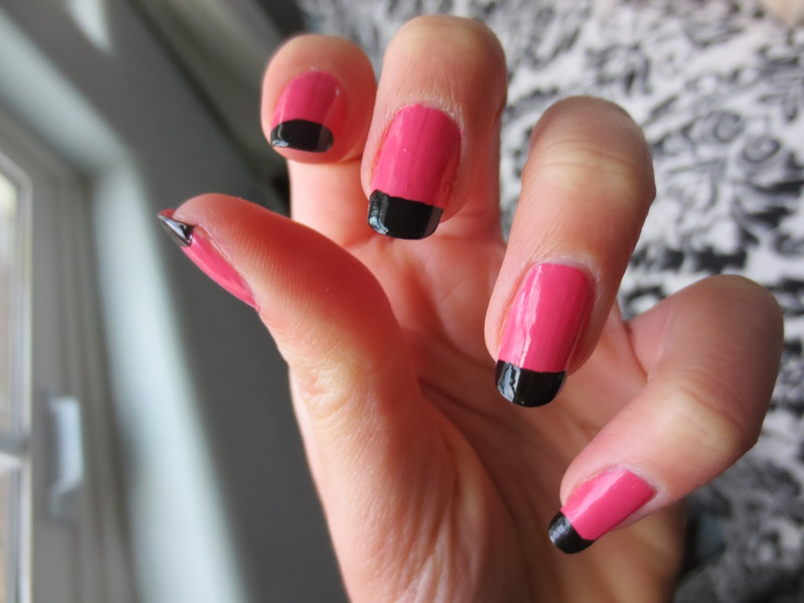 Nail Crazy: NOTD: Simple Vintage French