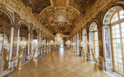 Hall-of-Mirrors-Chateau-de-Versailles-Palace-of-Versailles-France-travel