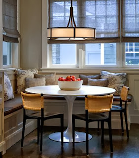 Sidewalks in the corners: a dining room in the kitchen