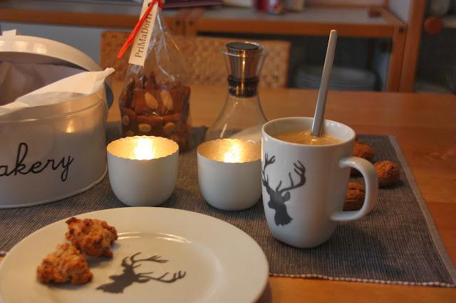 Ikea Hirsch Kaffee und Kuchen