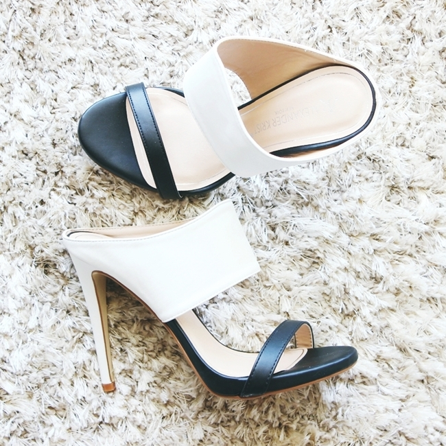 Jelena Zivanovic Instagram @lelazivanovic.Glam fab week.Black and white mules.Crno bele papuce.
