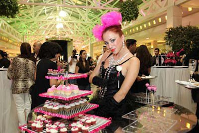 World's First Hello Kitty Spa In Dubai - cupcakes