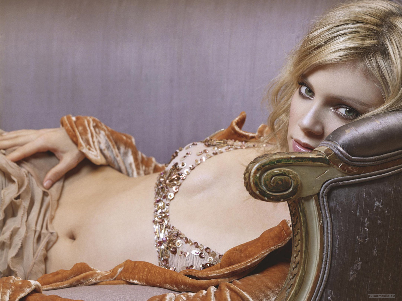 http://4.bp.blogspot.com/-VgqvqOBgYA8/T1ynalnKzvI/AAAAAAAAAao/UF3Y4eYACE8/s1600/Amy+Smart-Wallpapers-4.jpg