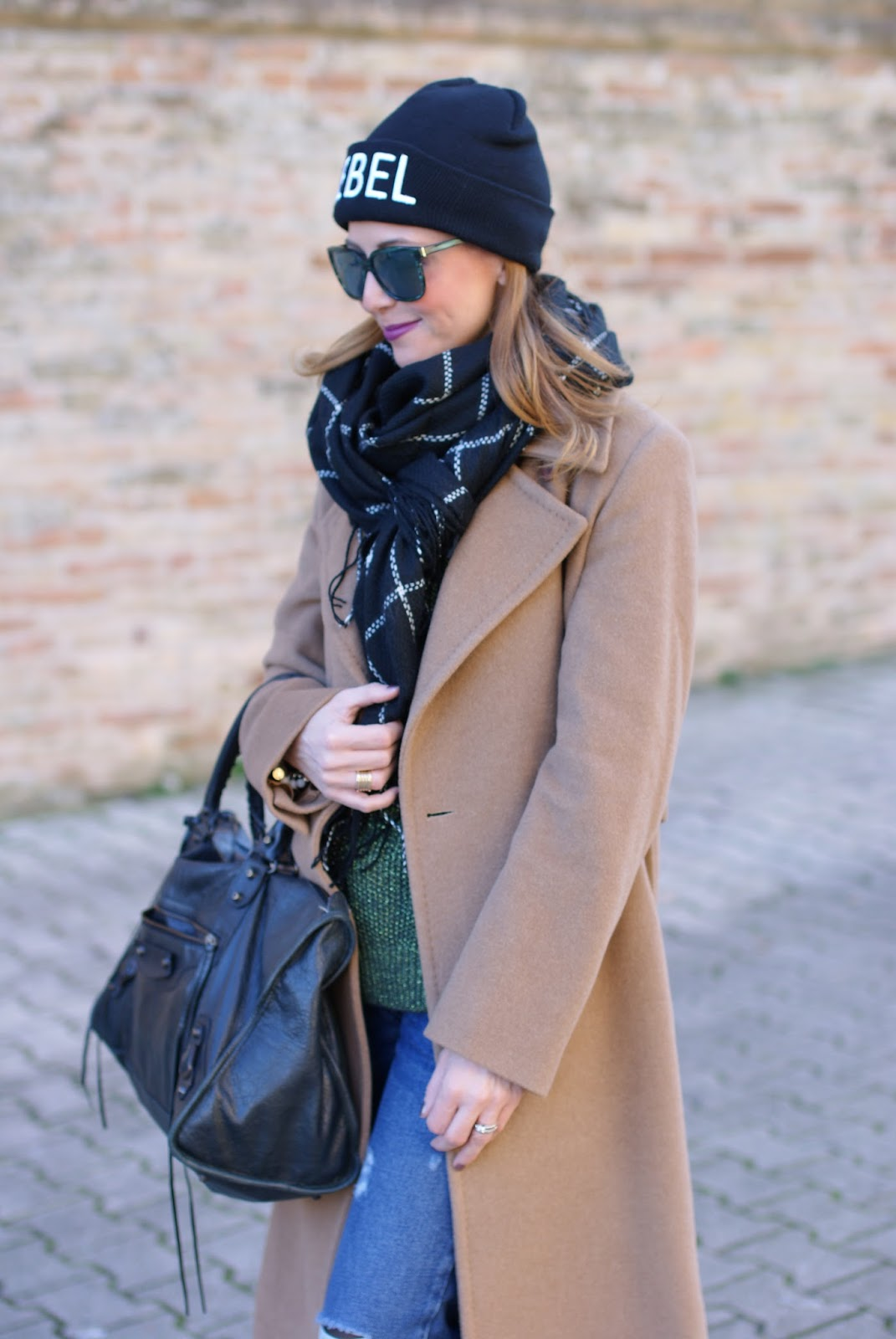 Checked maxi scarf and camel maxi coat with B&H shoes flats on Fashion and Cookies fashion blog, fashion blogger style