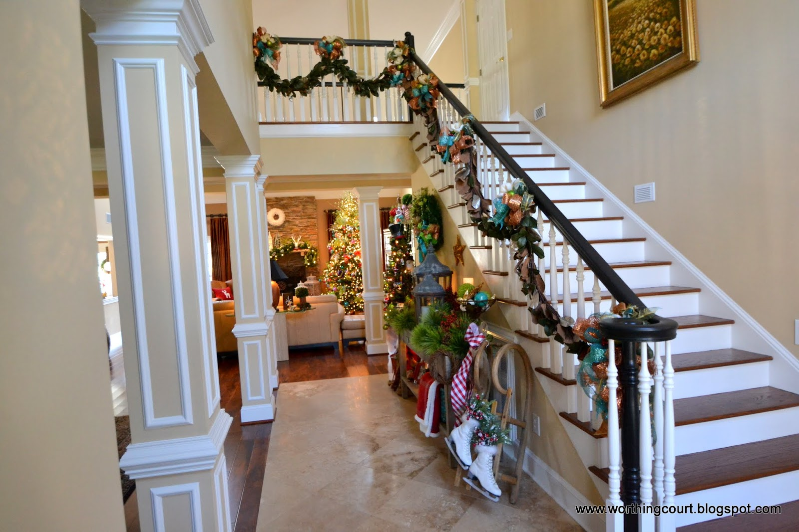 Christmas tour at nancy 39 s worthing court for Foyer christmas decorating ideas