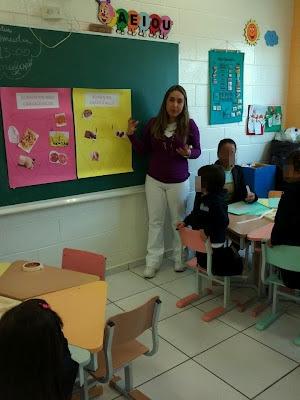 292529_4036140551763_1529212535_33368580_389006383_n+(1) - Projeto Dentista na Escola I