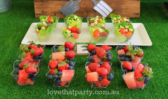 Healthy party food for kids parties, lots of great ideas and how to present them! Love That Party. www.lovethatparty.com.au