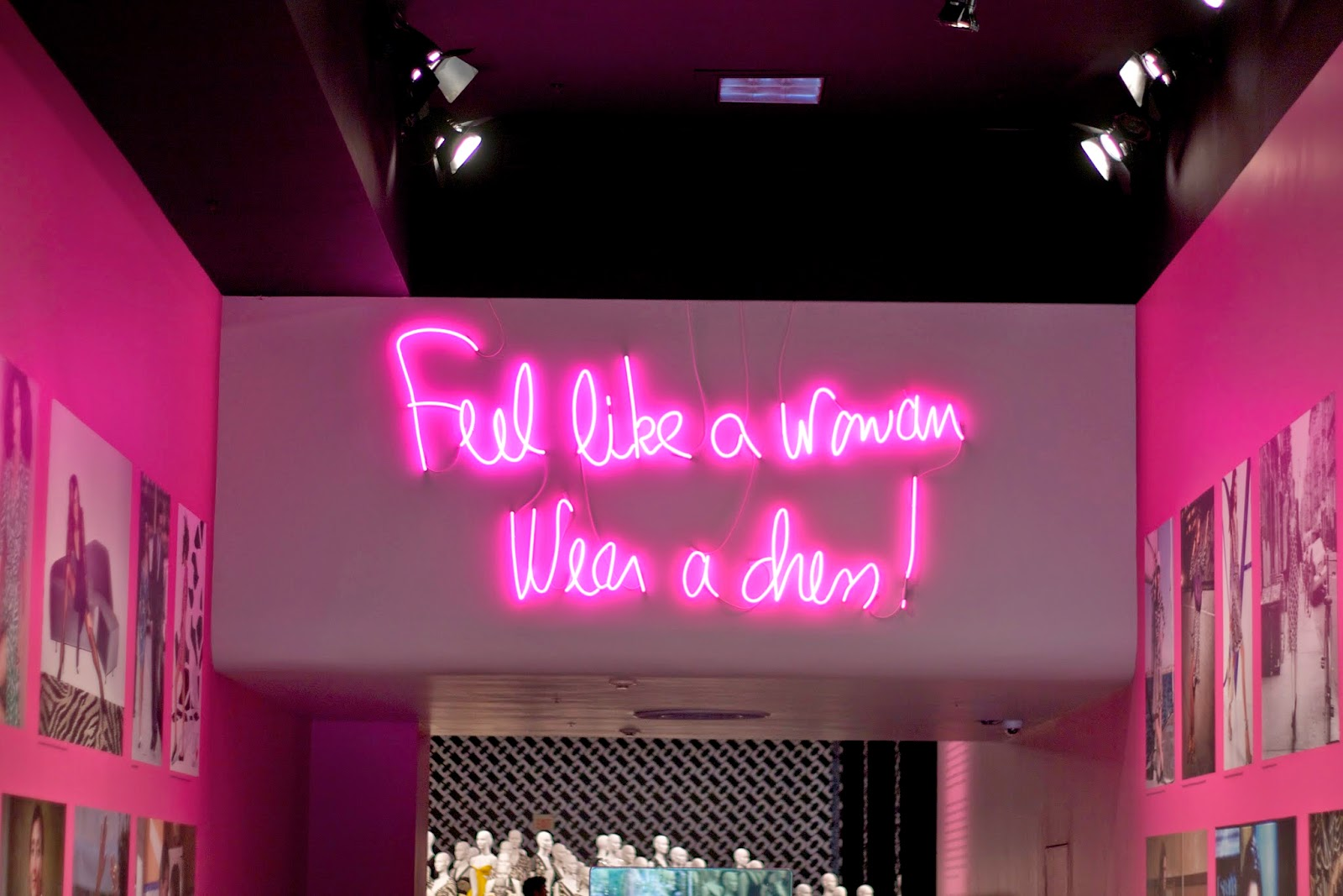 feel like a woman wear a dress, dvf quote on the wall