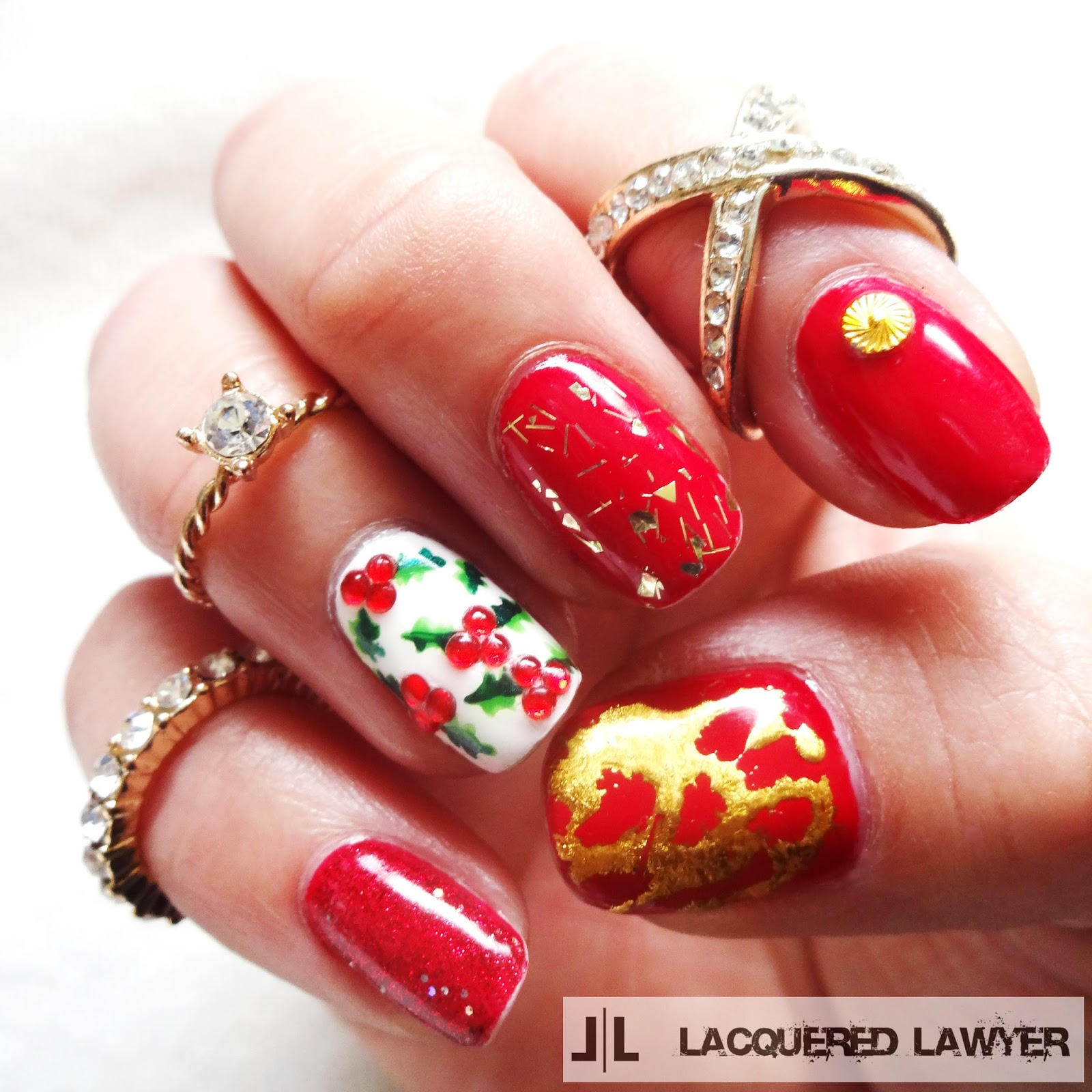 Holly Christmas Nail Art
