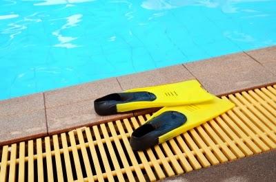 Rebosaderos de piscinas for Rejillas para piscinas